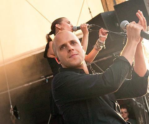 Konzertaufnahme, Milow, 24.06.2010, Kiel, Unser Norden-Bühne