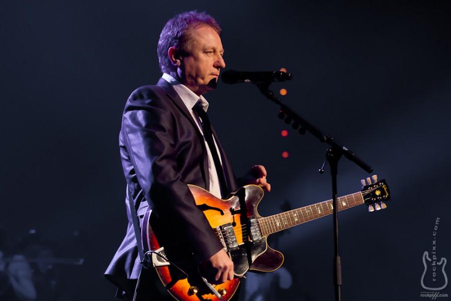 John Miles, 09.12.2010, München, Olympiahalle